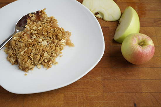 Apple Crisp with oats and brown sugar