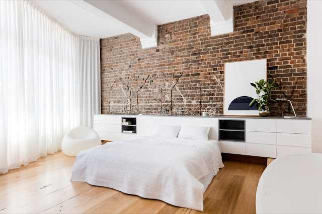Wall Decoration For Small Bedroom