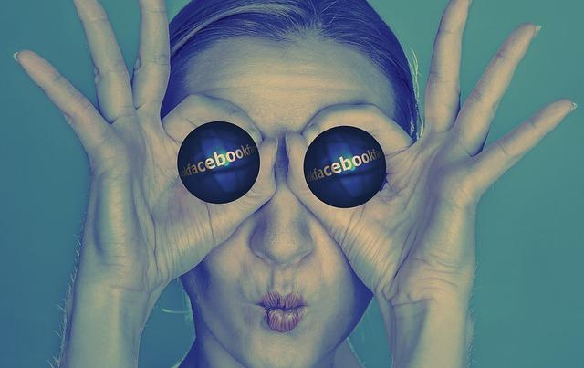 كيف تعرف إذا كان الحساب على الفيسبوك فعلا لبنت وليس ولد