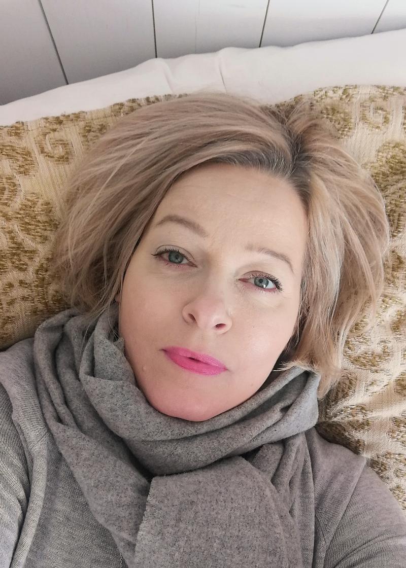 L'Oreal age perfect huulipuna