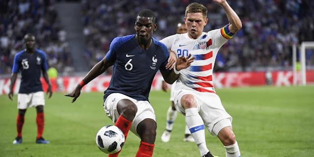 Penyerang Prancis Antonio Griezmann Menantikan Servis Gelandang Manchester United Paul Pogba Di Piala Dunia 2018 Russia