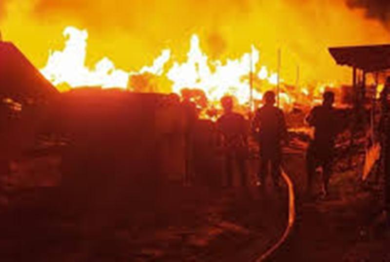 Gudang Pengolahan Kayu Palet Itu Ludes Dilalap Api