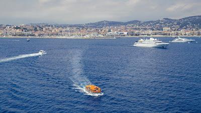 Il mare di Cannes di fronte a Saint Marguerite