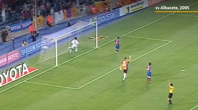 Messi và thói quen lốp bóng qua đầu thủ môn