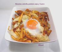 Bacalao con patatas paja y huevo