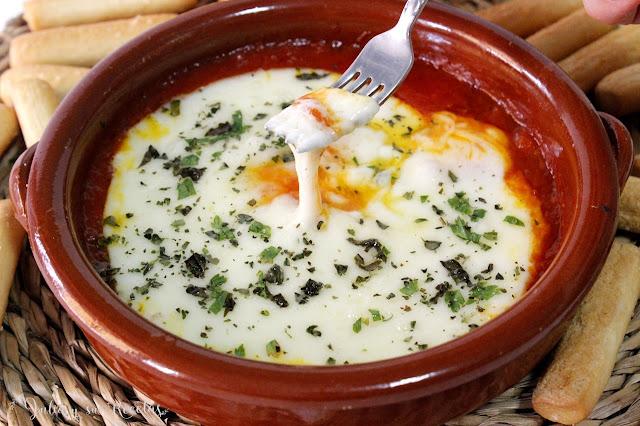Provolone con tomate y orégano. Julia y sus recetas