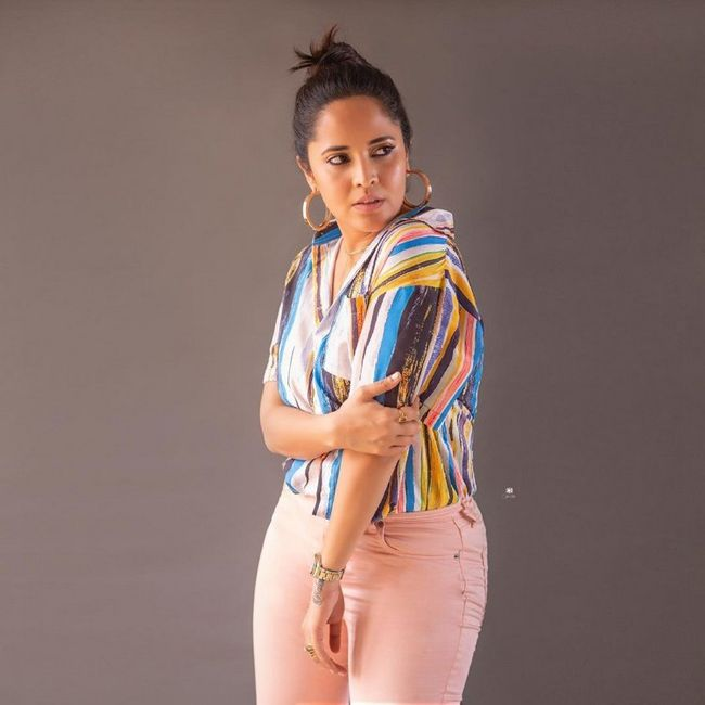 Actress Gallery: Anasuya Bharadwaj Awesome Looks Pictures