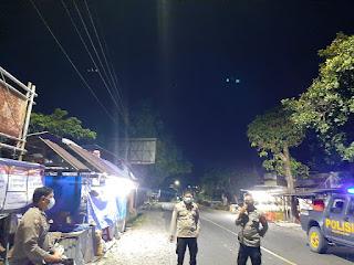 Personel Polsek Maiwa Polres Enrekang Patroli Malam Untuk Cegah Aksi Kriminalitas