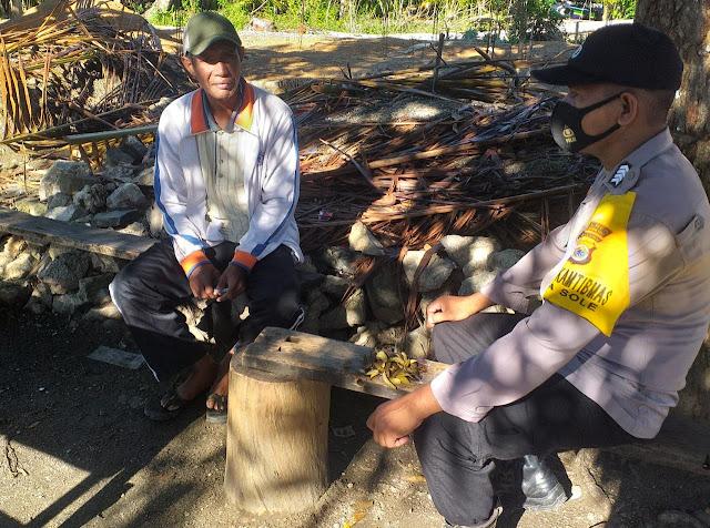 Bhabinkamtibmas Sole Berikan Edukasi dan Himbauan ke Warga Desa.lelemuku.com.jpg
