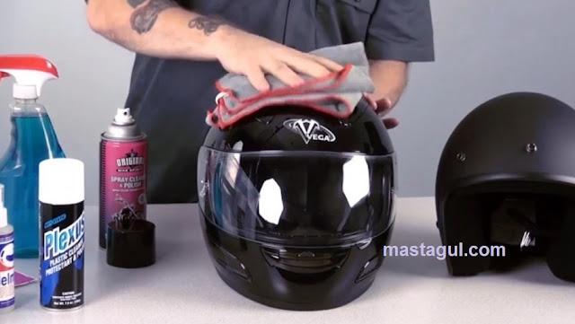 Peluang Usaha Cuci Helm dan Cara Memulainya