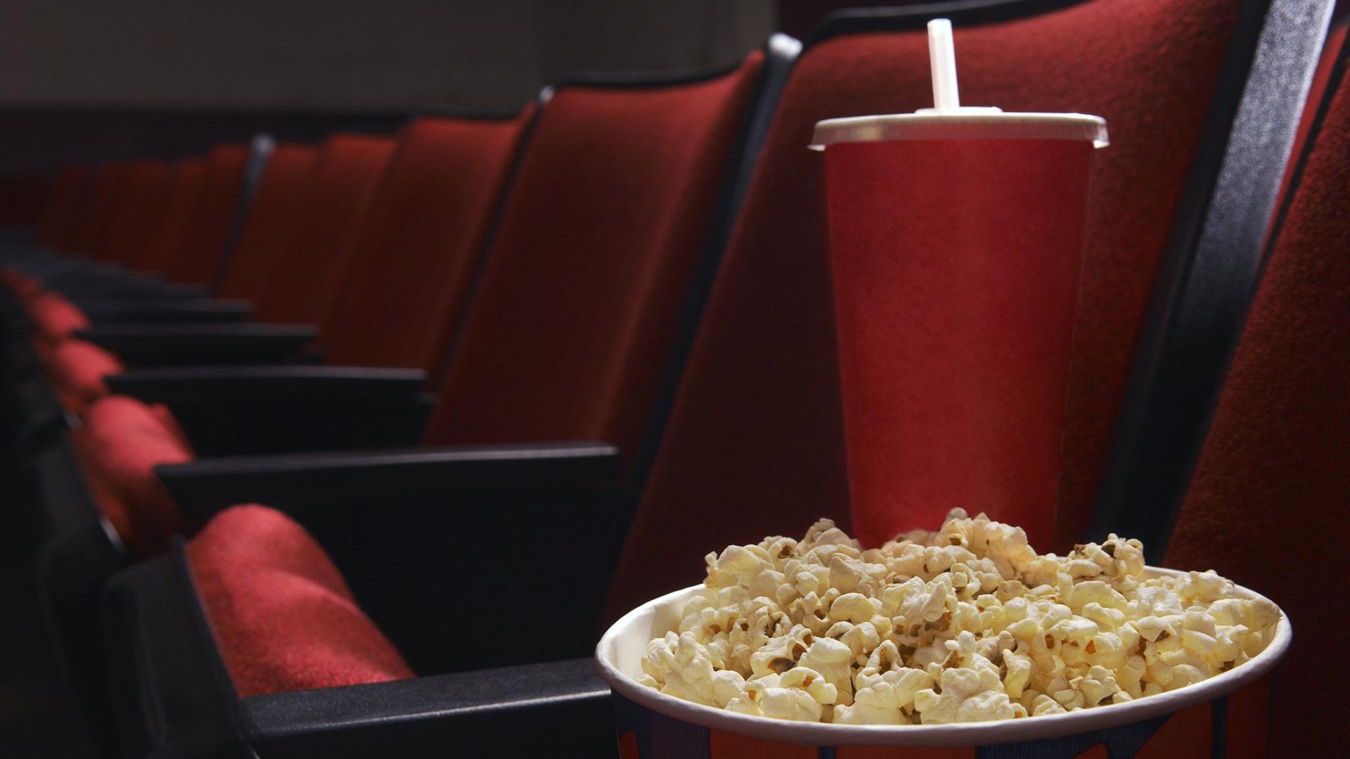 Reabren cines y teatros en todo el país con protocolos y aforos reducidos