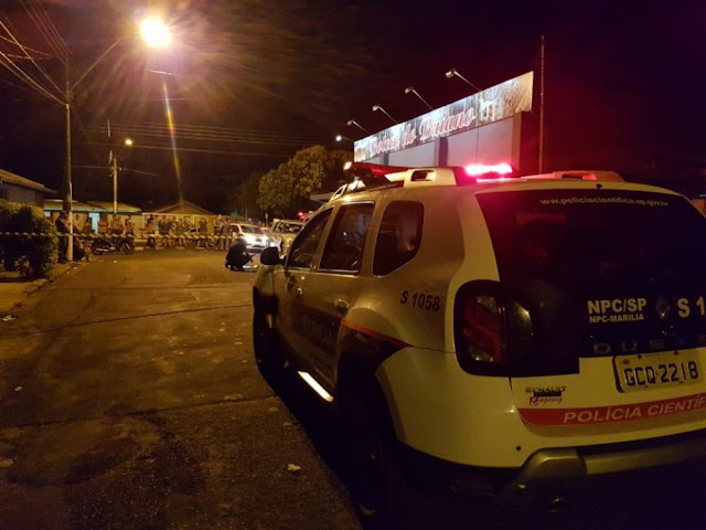 Dupla em moto provoca pânico com tiros e mortes em bar na Zona Sul de Marília
