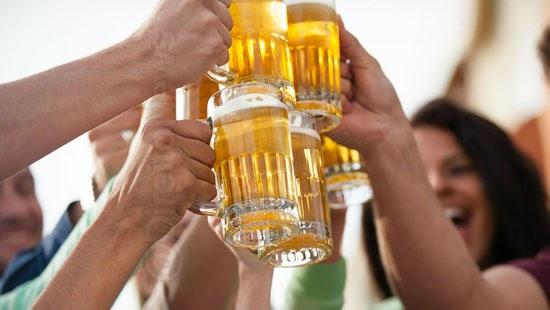 juiz bebida bares notorio alcool virus