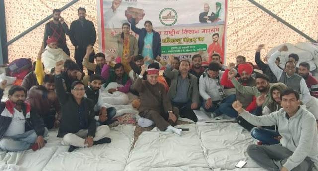 Anna Hazare supporters continue fast in Faridabad