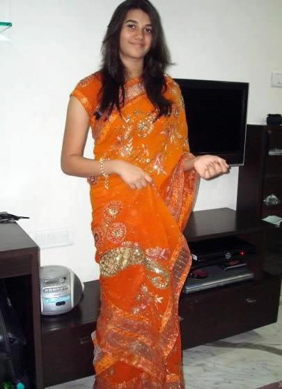 desi-girl-in-orange-sari