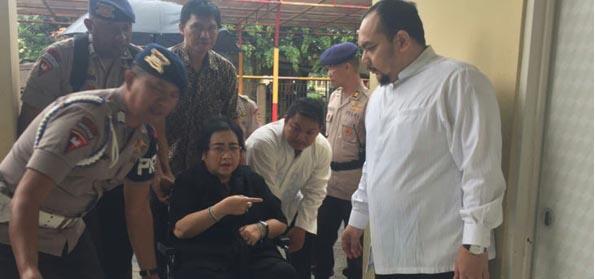 Habib Rizieq dan Ust Alfian Tanjung Tersangka, Pengamat: Ini Rezim Represif dan Anti Islam?