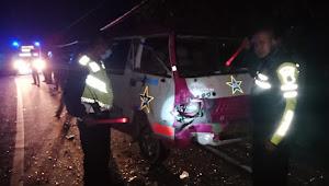 Balap Hendak Pulang, Situmorang Sambar Bus Raja Napogos di Samosir