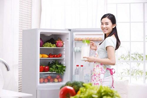 9 thực phẩm dễ biến thành chất độc khi trữ tủ lạnh