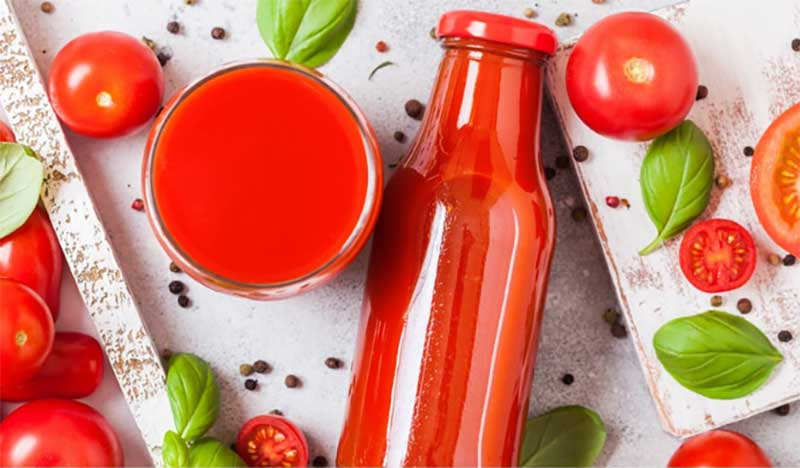 Tomato Juice Nutrition & Benefits (+ Best Ways To Enjoy It)