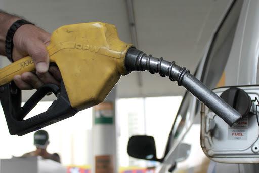 Combater a sonegação fiscal nos combustíveis é mais eficiente que alterar ICMS para resolver questão dos preços, segundo especialista