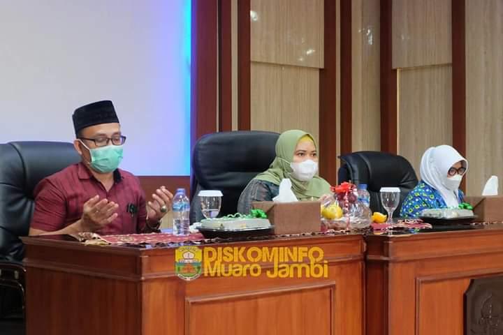 Bupati Masnah Hadiri Pelantikan Ketua Pengurus Cabang Badan Kontak Majlis Taklim Kecamatan Sekernan