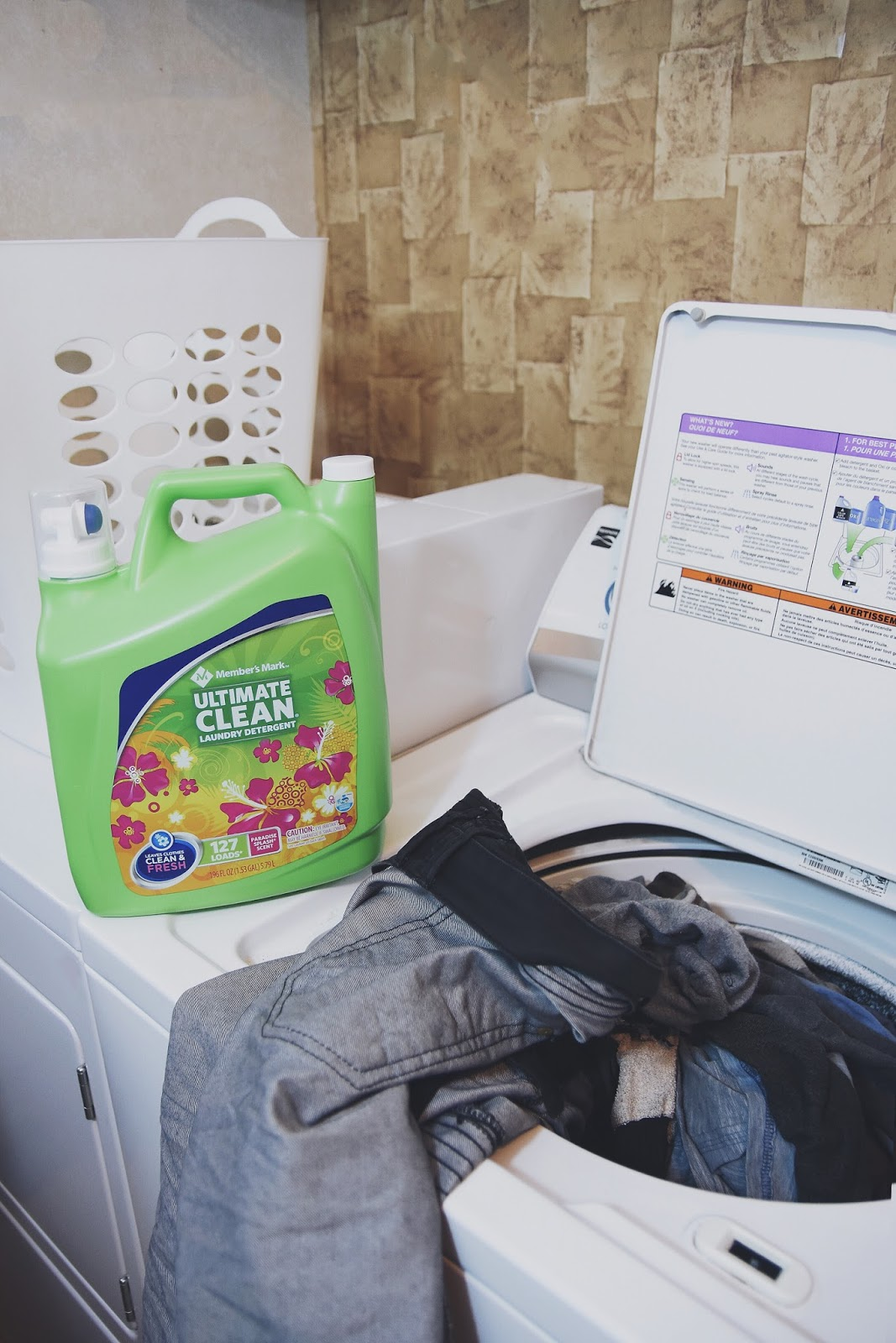 Laundry Date by Mari Estilo Ft. Member's Mark® Ultimate Clean Paradise Splash® Detergent