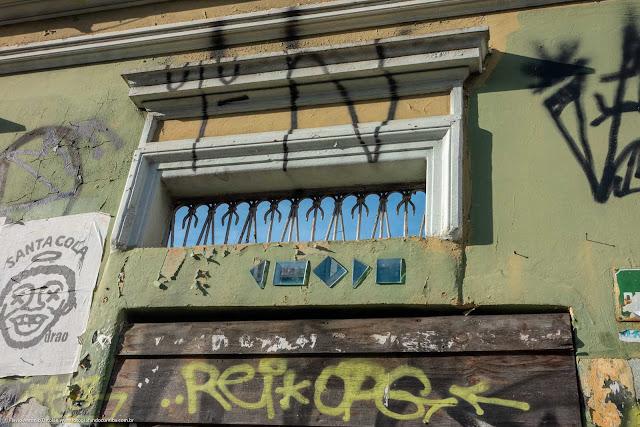 Casa abandonada na Rua Trajano Reis - detlahe