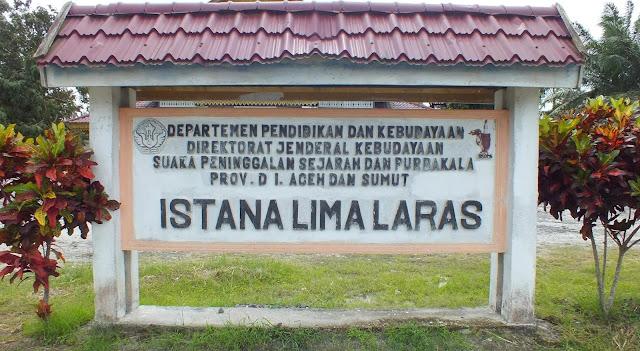 Plang Istana Lima Laras