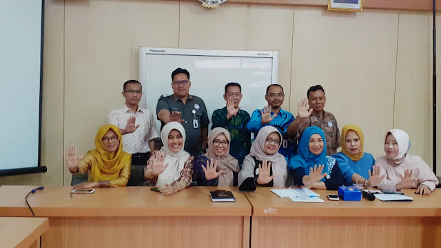 """Saya mengapresiasi upaya komisi untuk berkontribusi terhadap daerah dengan upaya mewujudkan Kota Bandar Lampung yang ramah anak, semoga semua harapan tersebut dapat terwujud dengan baik,"" ujar Ferziana."