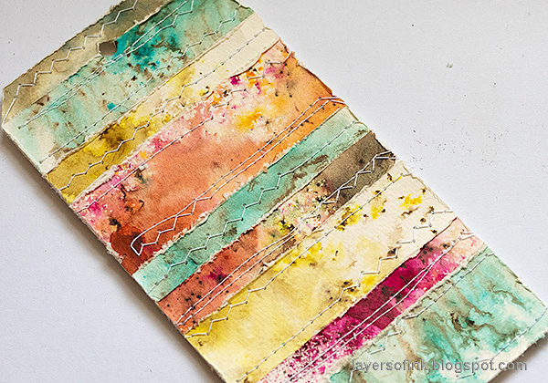 Layers of ink - Nautical Tag Tutorial by Anna-Karin Evaldsson. Stitch the tag.