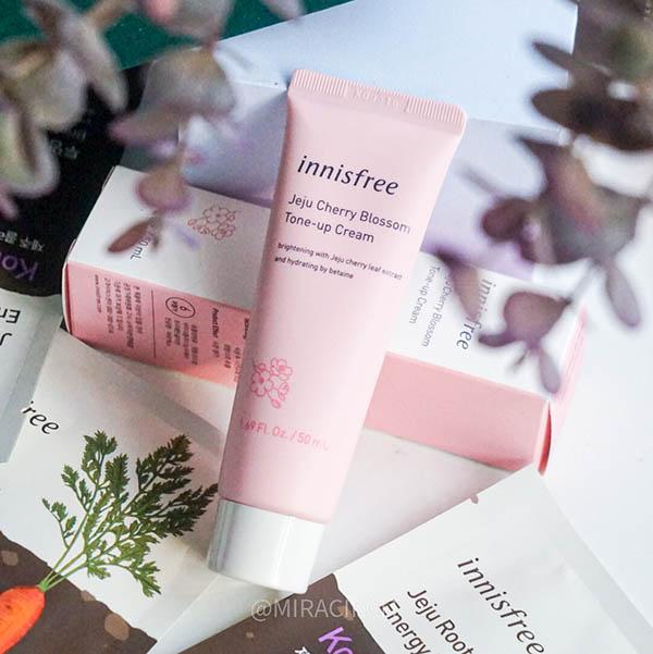 Innisfree Jeju Cherry Blossom Tone-up Cream Review