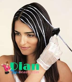 Tips Cara Mewarnai Rambut Sendiri dengan Benar