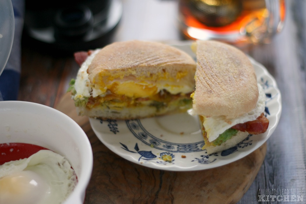 Quick Bacon, Avocado and Egg Breakfast Sandwiches