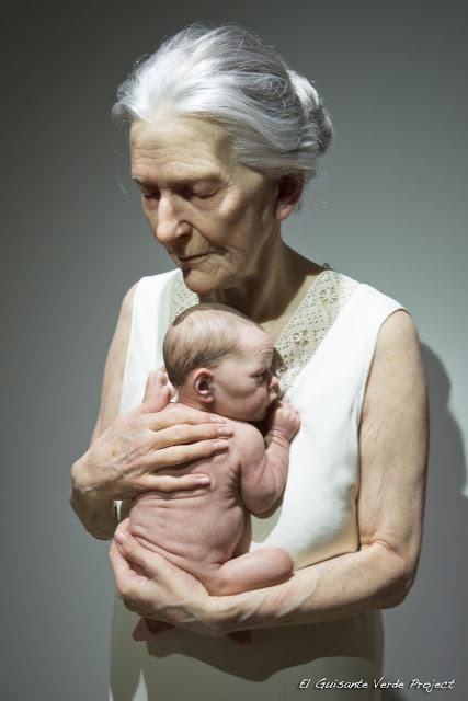 Anciana y Bebé, de Sam Jinks por El Guisante Verde Project