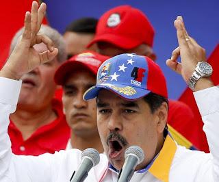 Caracas, Venezuela.- EFE .- Una comitiva de militares rusos aterrizó en Venezuela y copó la convulsionada escena política del país caribeño, ante la jornada libre que marcaron este domingo el gobernante Nicolás Maduro y su desafiante, el jefe del Parlamento Juan Guaidó.