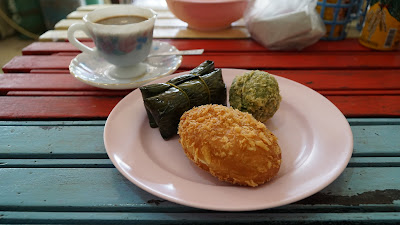 Had some delicious Thai cakes bought from the the shop next door, reasonably priced