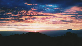 Menikmati Sunrise Bromo