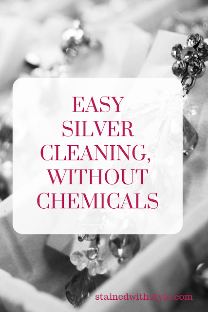 how to clean silver necklace, how to clean heavily tarnished silver, how to clean silver cutlery, how to clean silver rings with stones, silver cleaning hack, silver cleaning plate, silver cleaning liquid, cleaning sliver with vinegar, how to remove tarnish from jewelry