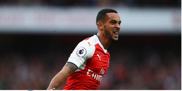 Walcott Optimistic Arsenal Can Beat Manchester City
