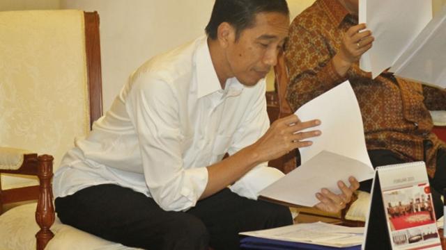 Buruh Minta Jokowi Buka Pasal per Pasal UU Ciptaker, Tunjukin Mana yang Hoaks