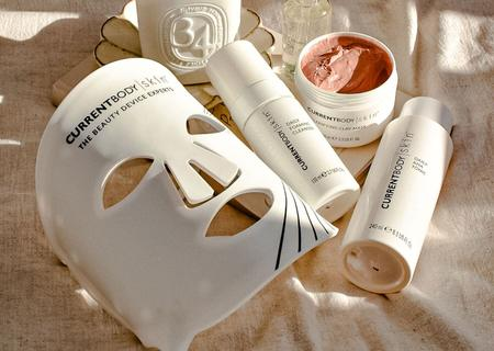 """Award Winning """" LED  Mask """" for younger and beautiful skin"""
