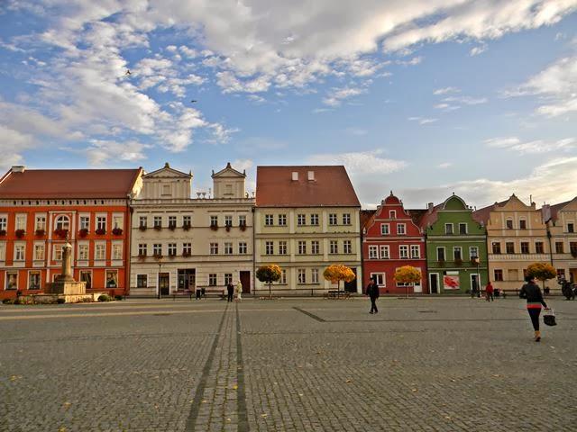 piękne miasteczka, fotografia i rynek, ludzie