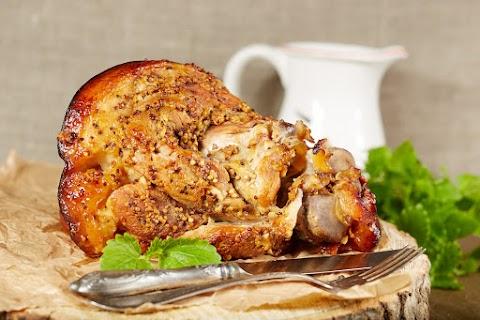 Mustáros, fűszeres csülök sütve: finom puha, omlós, a bőre pedig ropogós