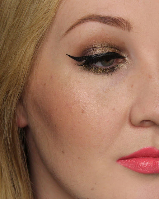 MAC Monday: Porcelain Pink Mineralize Skinfinish Swatches & Review