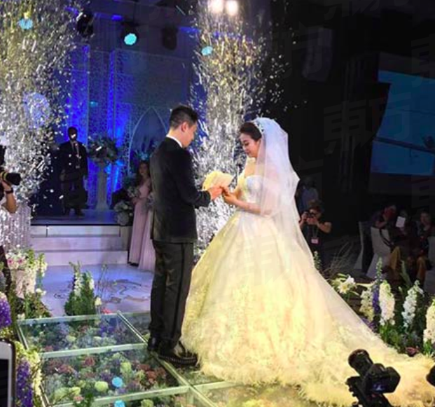 Woman Married The Guy She Met Online Only To Finding Out That He Is A Wealthy Businessman!