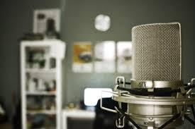 Jurnalistik radio adalah jurnalistik dengan media radio.
