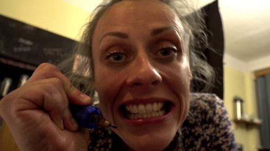 'Tattoo Punishment': Anna recibe un castigo que no se borrará nunca