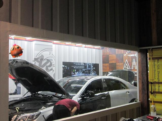 我們利用3M 1080車貼專用膠膜,以專業技術及精細手工來設計專屬您的愛車,歡迎詢問。