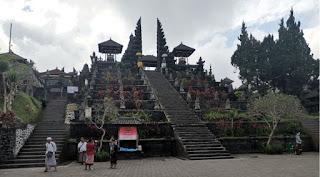 Templo Madre Besakih de la Isla de Bali.
