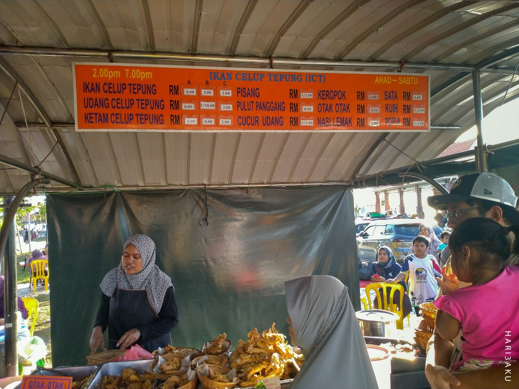 Ikan Celup Tepung (ICT) yang Murah di Medan Selera Pantai Penyabong - Hari Hari Hari Aku